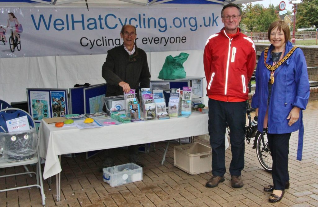 Mayor visits the WelHatCycling stall at Hatfield Healthfest