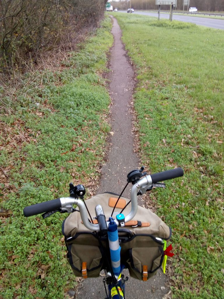 Photo showing very narrow cycle path on A414